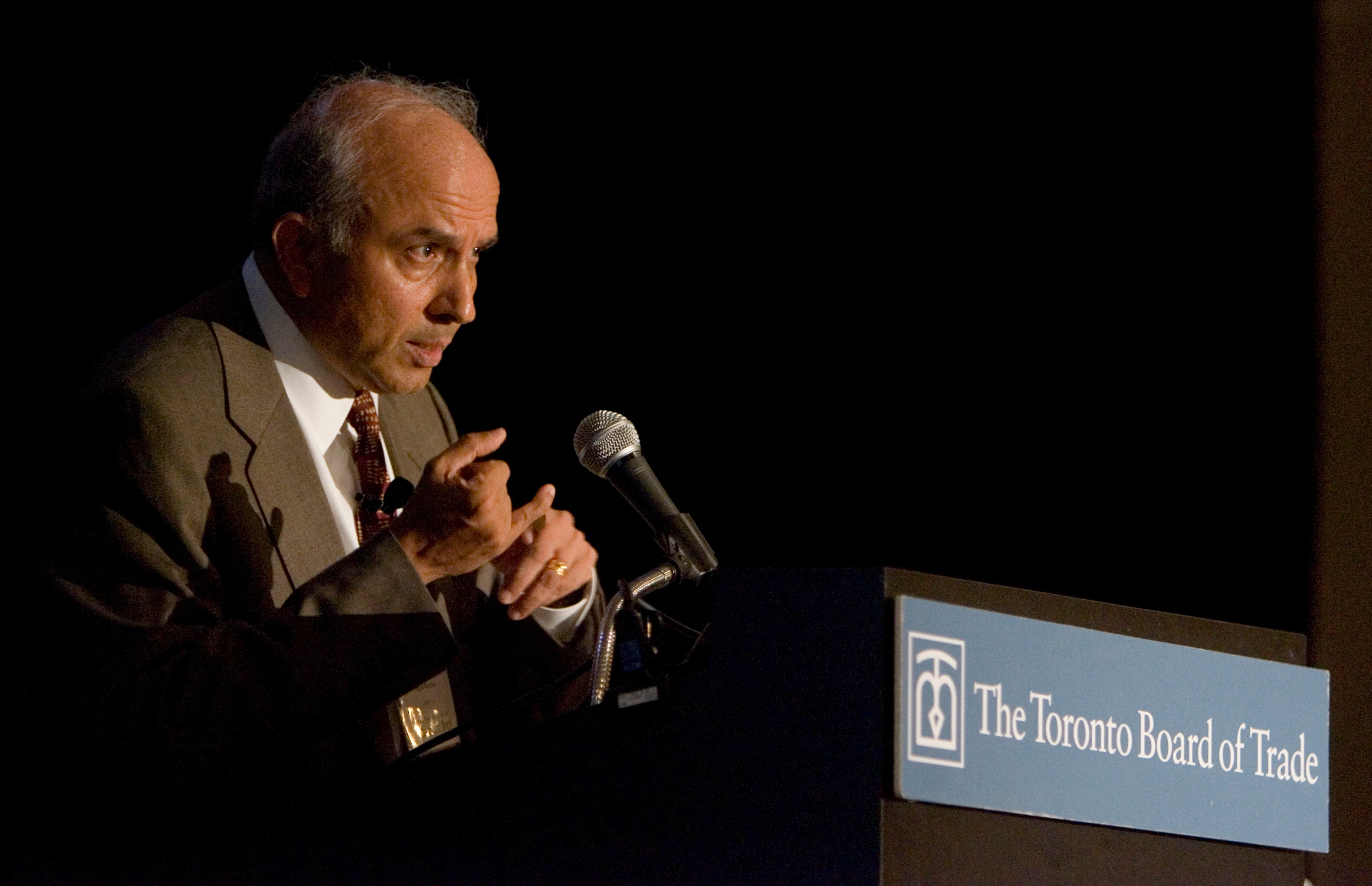 May 25 2007 Toronto: Prem Watsa, chairman of Fairfax Financial holdings Ltd. speaking at a Toronto Board of Trade luncheon Friday at Noon hour. (Photo by David Cooper/Toronto Star via Getty Images)