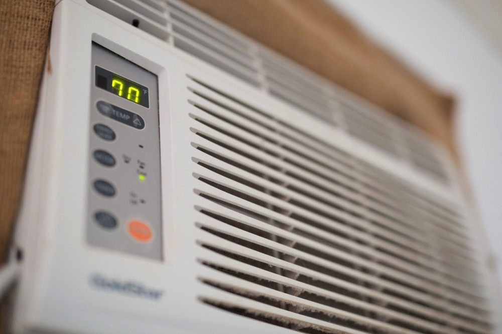Keeping central air conditioner costs down (Getty Images / Marius Hepp . EyeEm)