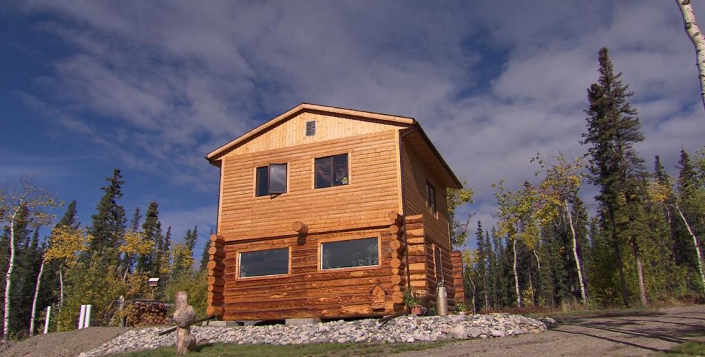 Log house: Yukon for Sale