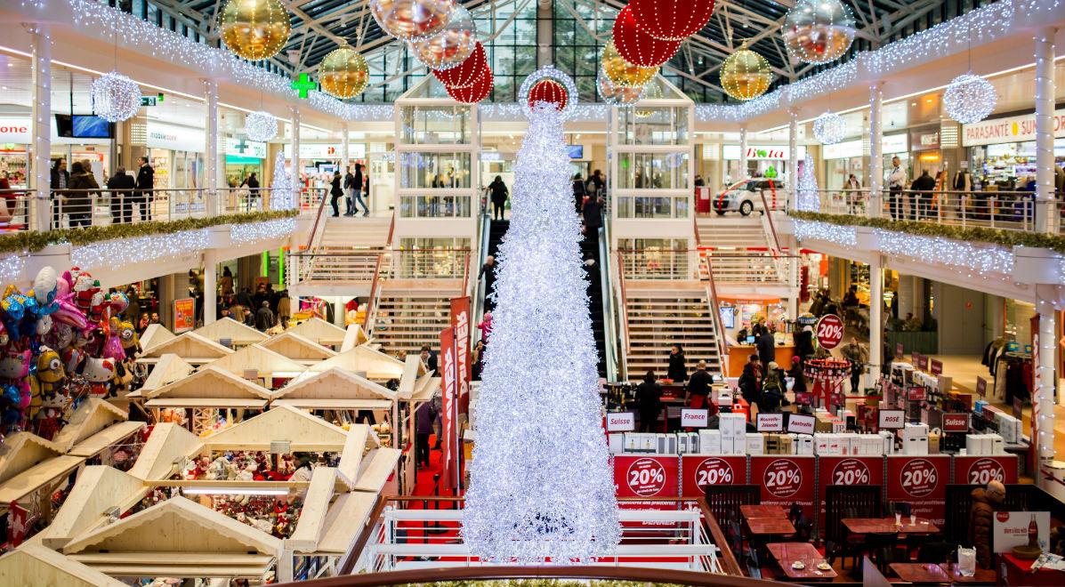 holiday shopping-fb