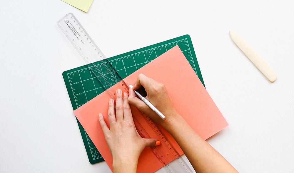 desk-office-pen-ruler-1000