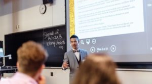 Mitchell Huynh teaches a Personal Finances 101 class at the University of Toronto Mississauga on Sept. 18, 2018.