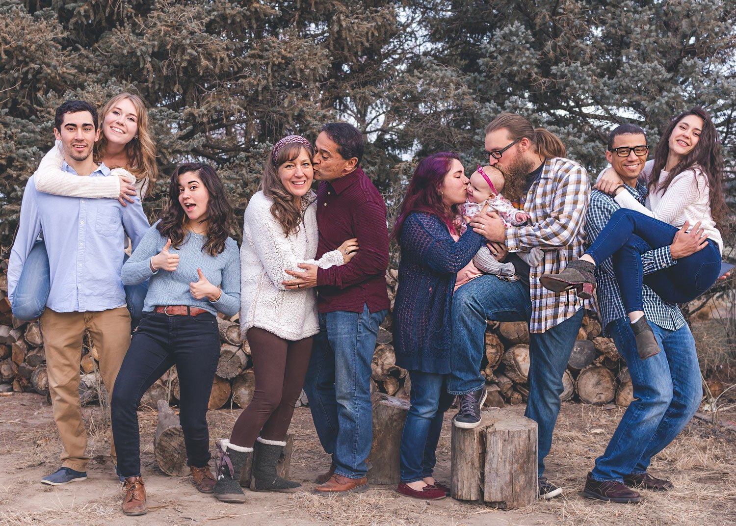 A multi-generational and extended family portrait, with grandparents, cousins and aunts and uncles!
