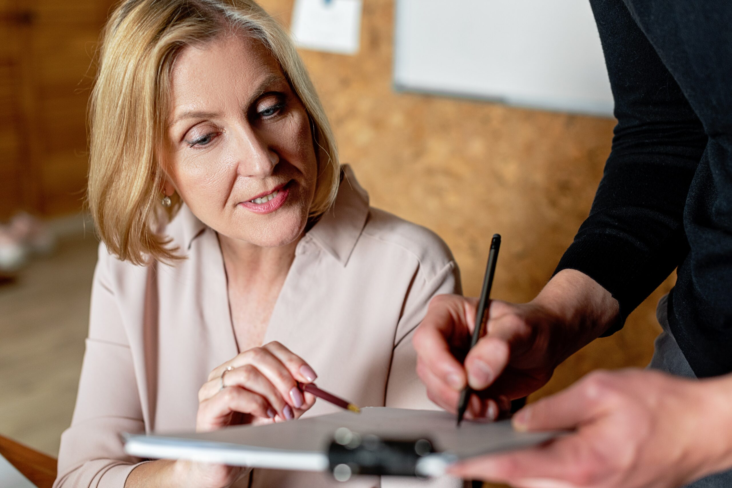 woman-in-office-what-is-a-mortgage-broker